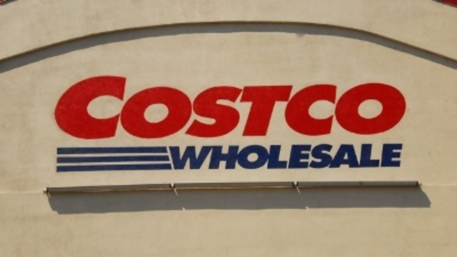 Woman returns dead Christmas tree to Costco - in January