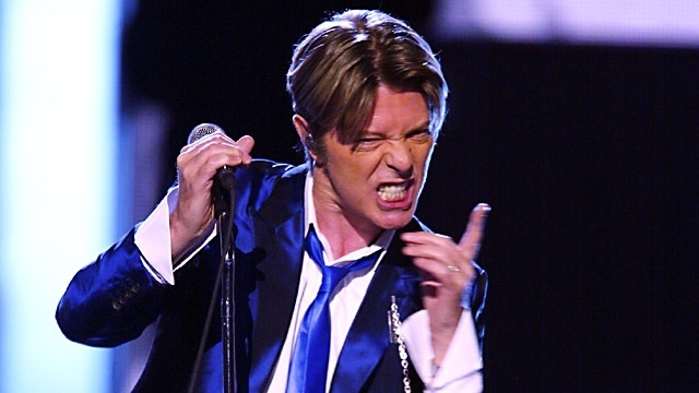 Bowie perform_3736988657956870