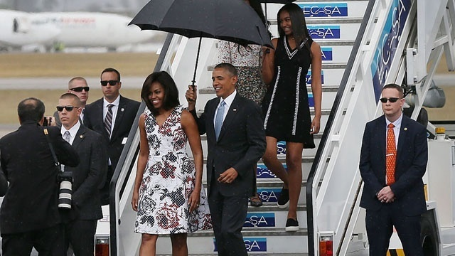 Obamas arrive in Cuba March 20_3861587679770195