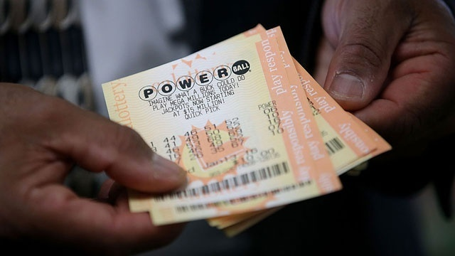 Powerball + Mega Millions = $690 million