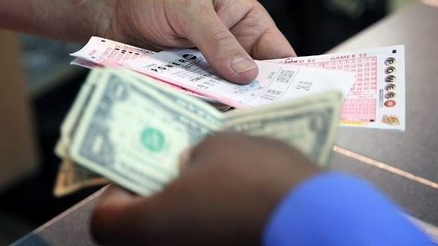 Powerball jackpot tops $400 million