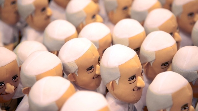 army of Francis bobbleheads_3548391074897466