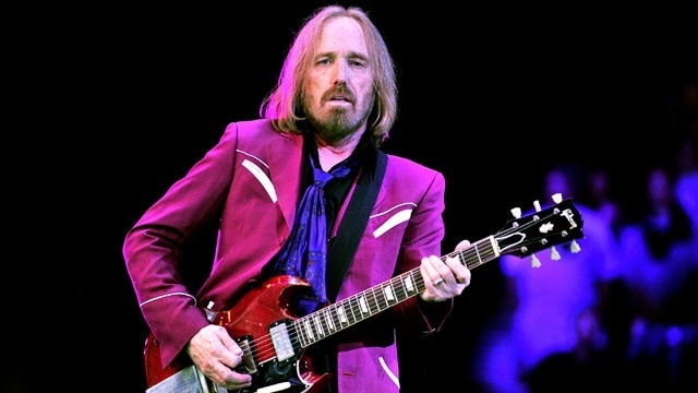 Rocker Tom Petty reportedly clinging to life