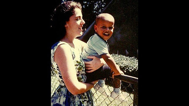 Obama - With Mother_2726529621878328