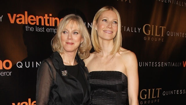 Blythe Danner and Gwyneth Paltrow_182176457111822