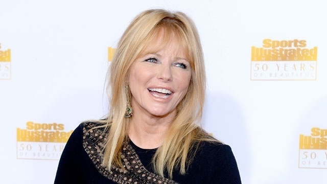 Famous mothers of twins - Cheryl Tiegs_1253707840759029