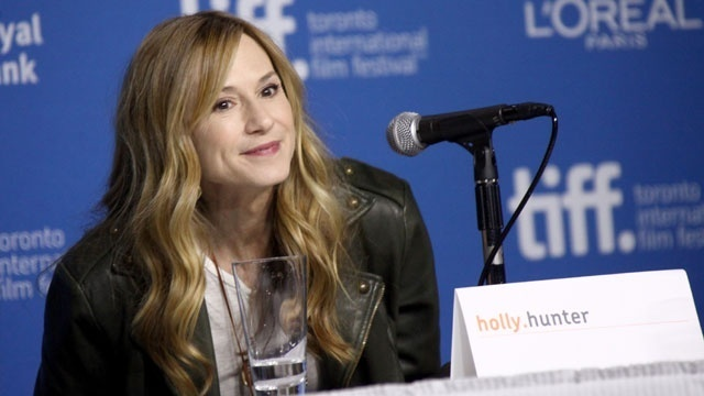 Famous mothers of twins - Holly Hunter_1253710028893579