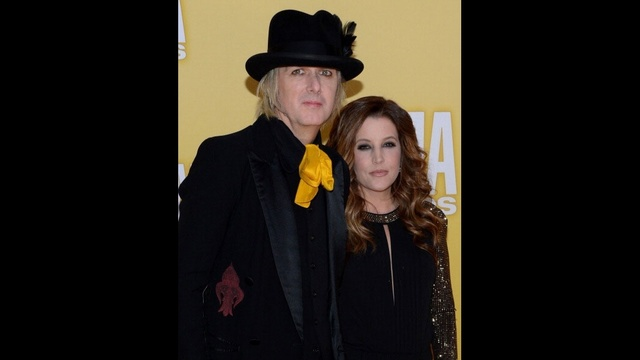 Famous mothers of twins - Lisa Marie Presley_1253708498294314