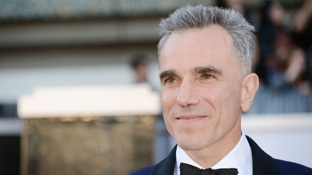 Daniel Day-Lewis stitches together chilly 'Phantom Thread'