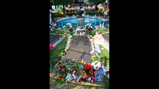 OTD October 2 - Elvis Presley's grave_1680932277027505
