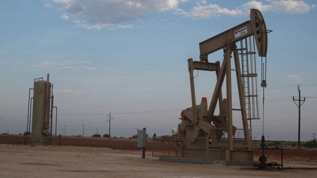 Oil hits $60 a barrel for the first time in 2.5 years