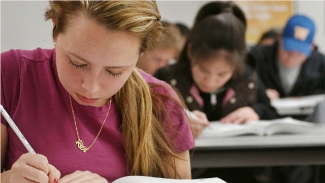 Study: Boys benefit from more girls in the classroom