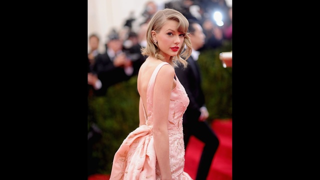 Taylor Swift through years - gala May 2014_3073096691483053