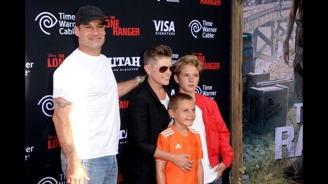 celebs and kids - Natalie Maines_2371661868398668
