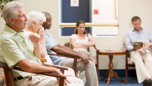 doctor's office, waiting room, patients33721357