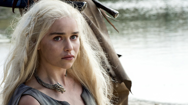Review: 'Game of Thrones' heats up as winter arrives