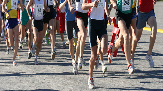 Marathoners run extra half mile after course error
