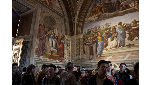 tourists at the Vatican museums74531204