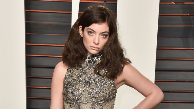 Lorde admits she was secret onion rings reviewer