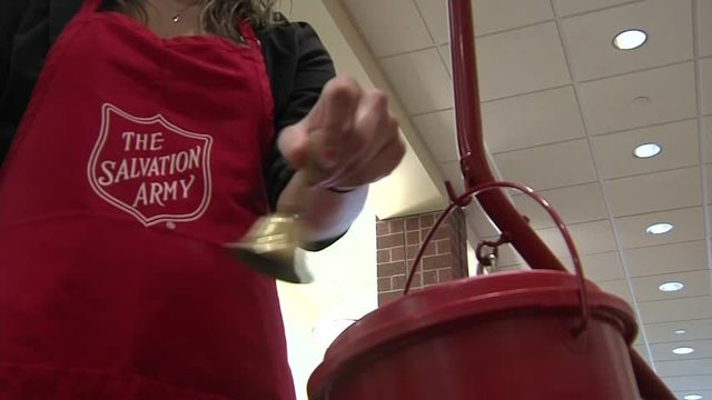 Salvation Army, Golden Corral serve up Thanksgiving meals for thousands