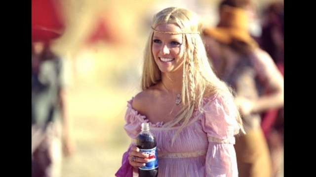 Britney-Spears-through-years---Pepsi-commercial-jpg_20161202070914-159532