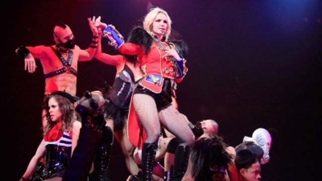 Britney-Spears-through-years---The-Circus_20161202070943-159532