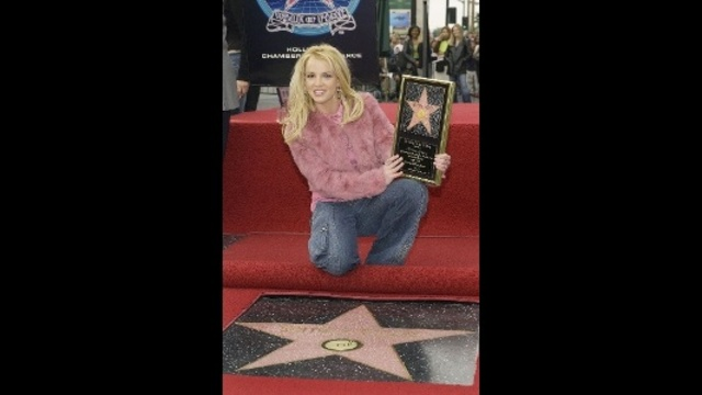 Britney-Spears-through-years---Walk-of-Fame-jpg_20161202070924-159532