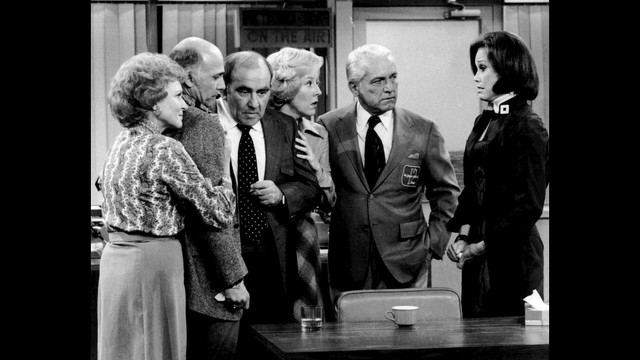 Mary Tyler Moore Show 1977 finale70083527