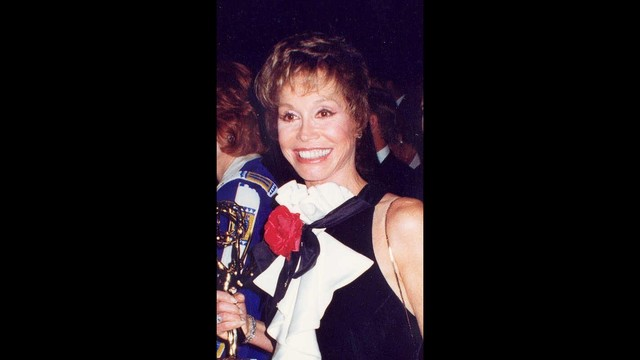 Mary Tyler Moore at 1993 Emmys92949034