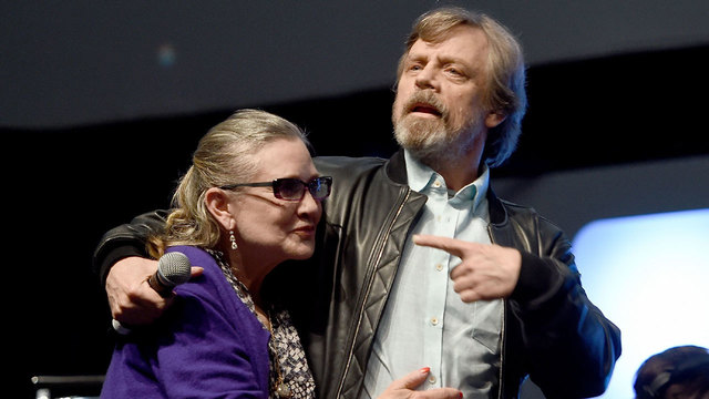 Carrie%20Fisher%2C%20Mark%20Hamill%20in%20July%202016_1483468397439_174026_ver1_20170103184257