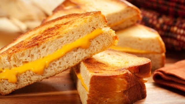 favorite-sandwiches---grilled-cheese-jpg_23246_ver1_20170112113139