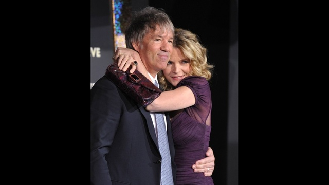 Longtime-Hollywood-Couples---Michelle-Pfeiffer-and-David-E--Kelley-jpg_167126_ver1_20170214173516-159532