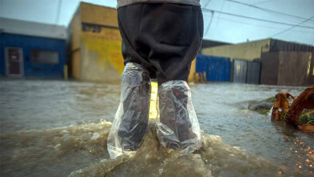 California flood bags on boots.jpg61098865