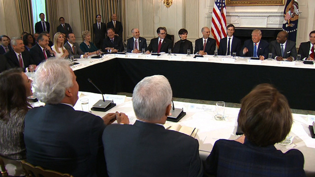 Trump meets with top US manufacturers