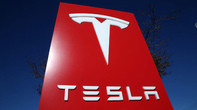Tesla gets downgraded to 'sell' by Goldman Sachs