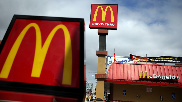 McDonald's to offer mobile order-and-pay toward end of 2017