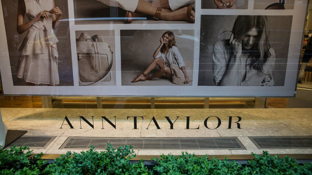 Ann Taylor store window display15418644