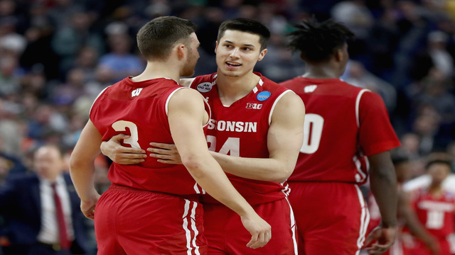 No. 8 Wisconsin beats No. 1 overall seed Villanova to advance in NCAA tournament
