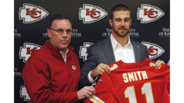 With Smith in fold, Chiefs still open to drafting QBs