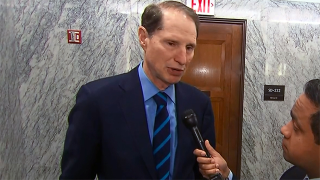 Wyden halts Treasury nominee for possible Russia connection
