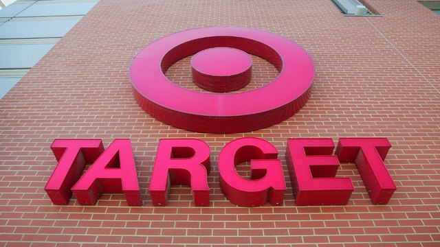 Target to hire 100000 temporary holiday workers