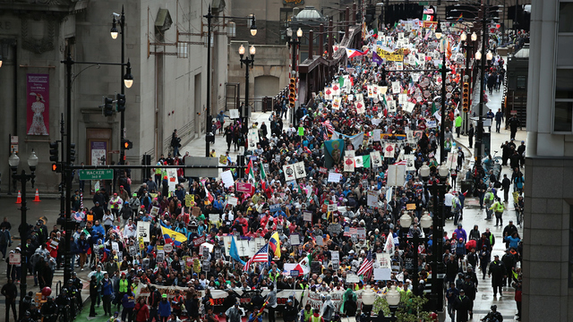 May Day Chicago march.jpg21493805