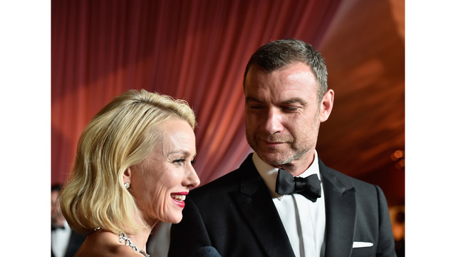 Liev Schreiber helps dogs stranded by Harvey
