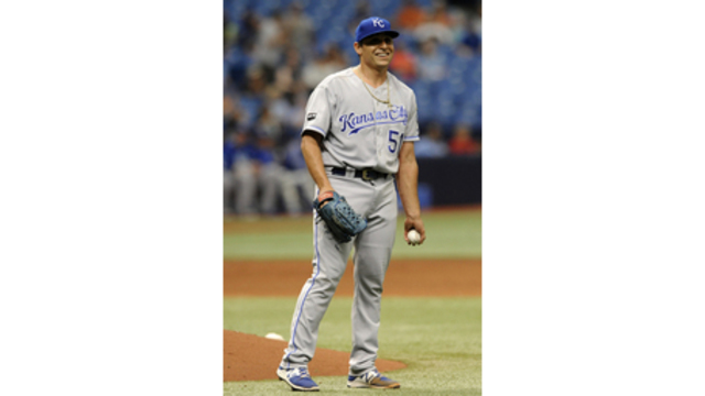 Jason Vargas throws gem in Royals win