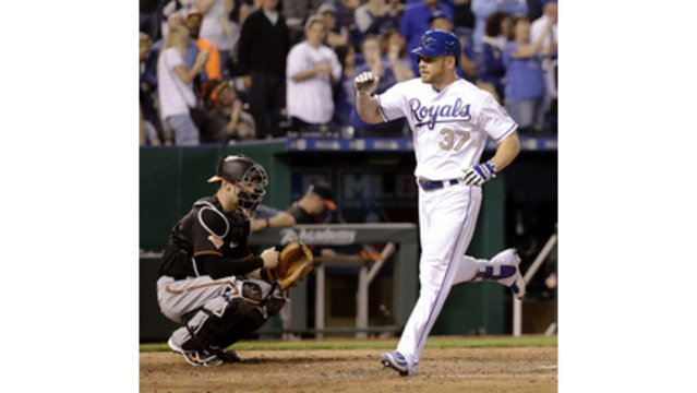 Karns strikes out a dozen, Royals top Orioles 4-3
