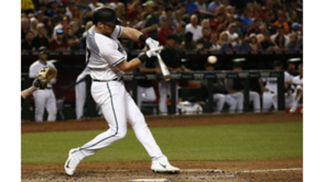 Diamondbacks' Iannetta hit in face with pitch, walks off