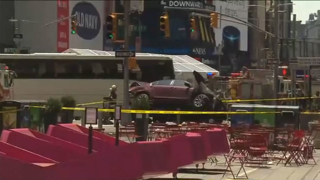 Car hits pedestrians on Times Square sidewalk