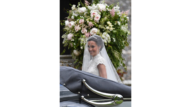 Pippa Middleton arrives to her wedding02513121