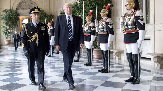 Donald Trump arrives for meeting with Italian president04321219