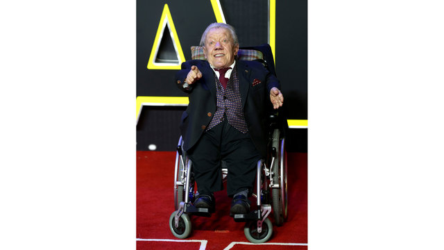 Kenny Baker at Star Wars The Force Awakens London premiere63224255